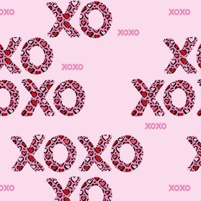 Sweet love and kisses leopard animal print xoxo text design valentines day pink girls