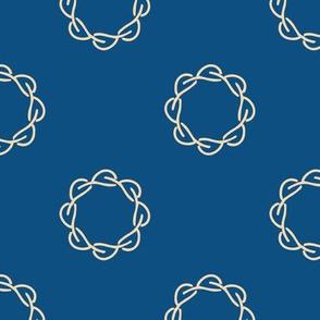 Infinity leaf wreath - classic blue
