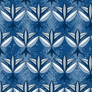 Fleur de Classique Bleu ©Julee Wood
