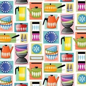 Colorful Retro Mid Century Kitchen Pottery // 1530 DPI