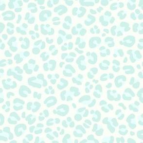 Leopard Print: Soft Green