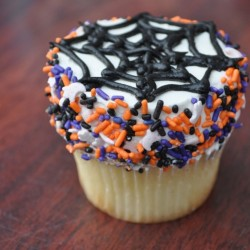 Why Halloween is an Awesome Excuse to Dress Up Your Favorite Cake