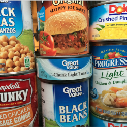 4 Easy Ways To Share Your Love Of Food To Those In Need