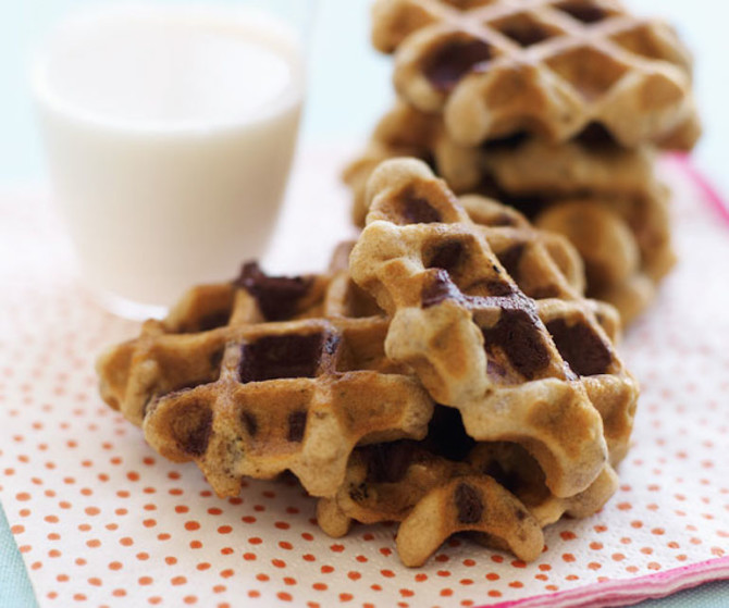 ... of cookies – no question. But oatmeal chocolate waffles ? King