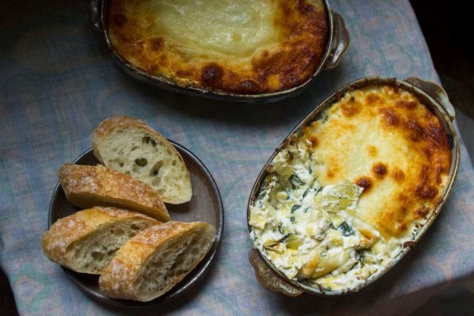 This goat cheese spinach artichoke dip is better than - Spinach artichoke dip olive garden ...