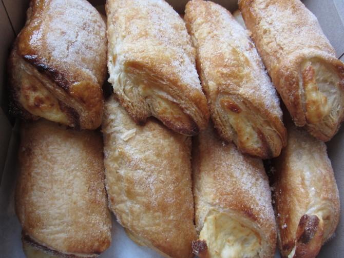 Portos-Bakery-Cafe-Cheese-Rolls