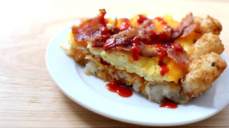 How To Make An Epic Tater Tot Breakfast Pizza