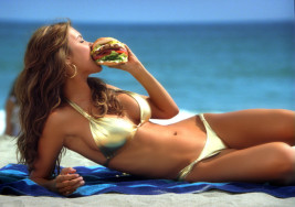 5 Ways Fast Food Ads Promote Unrealistic Body Expectations for Women