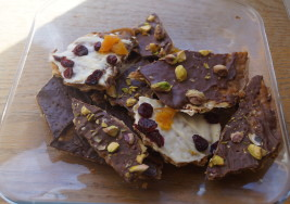 This Matzah Crunch Is Perfect for Your Pesach Sweet Tooth