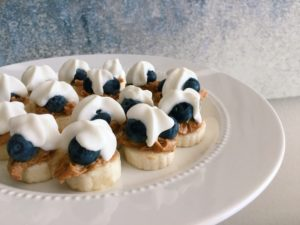 These Blueberry Banana Peanut Butter Bites Are the Perfect Midday Snack