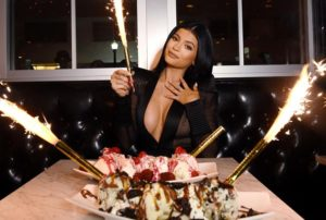 What You Should and Shouldn't Eat If You Want to Eat Like Kylie Jenner