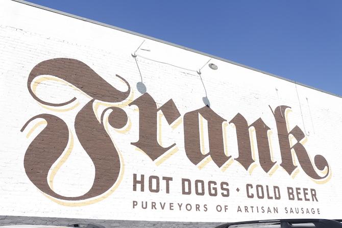 frank's host dogs austin