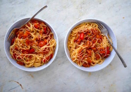 Homemade Roasted Tomato and Red Pepper Pasta Sauce