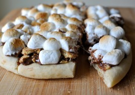 Peanut Butter S'mores Pizza in Under 10 Minutes