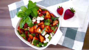 How to Make 4-Ingredient Strawberry Caprese Salad that's Perfect for Summer