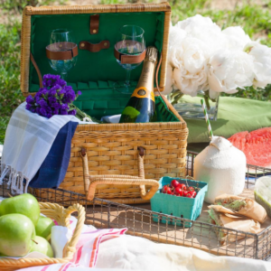How to Pack Your Picnic Basket Perfectly Every Time