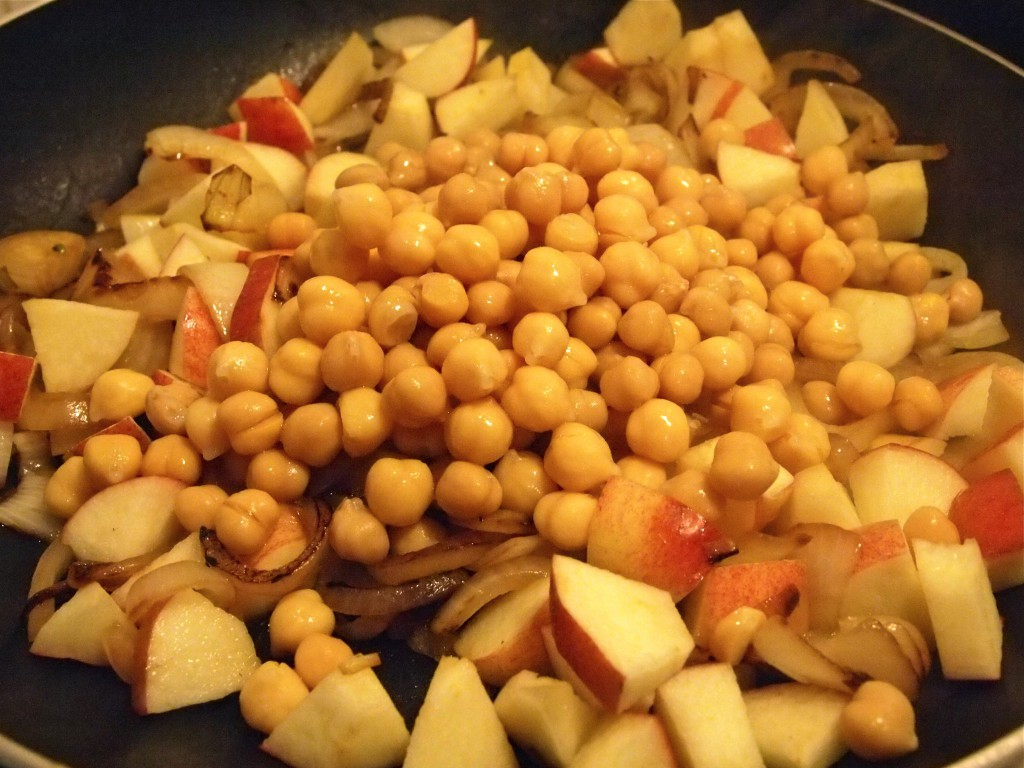 Meatless Mondays: Apple Chickpea Hash
