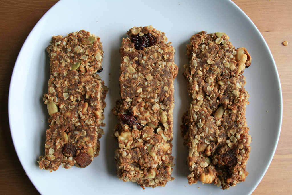 Homemade Banana Peanut Butter Granola Bars