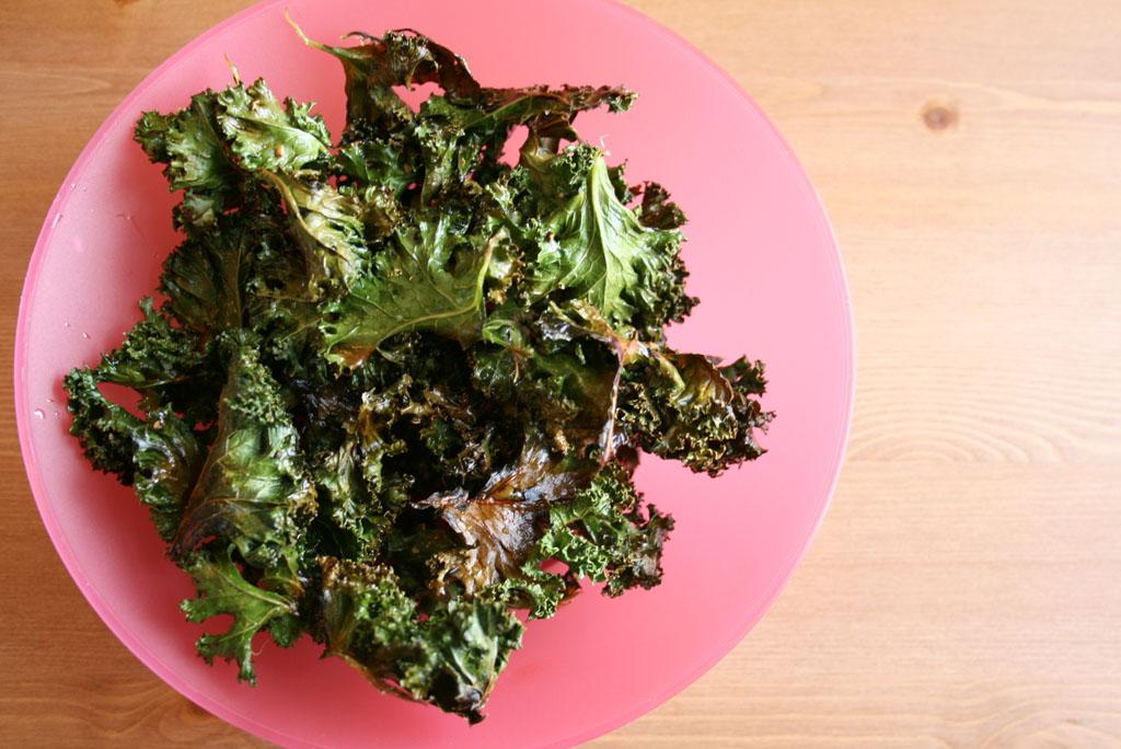 How to Make Crispy Baked Kale Chips