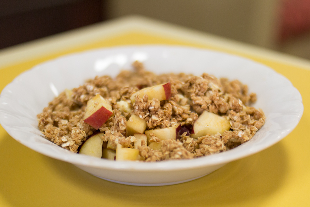Dorm (or dining hall)-made Apple Crumble