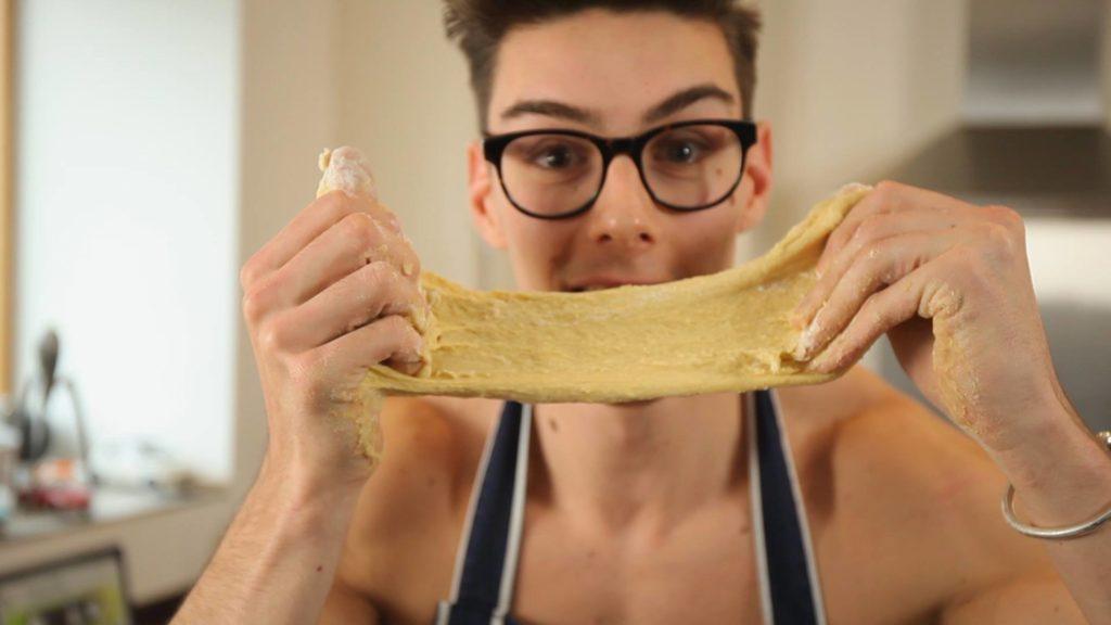 topless baker