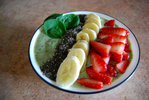 How to Make a Spinach Smoothie Bowl That Actually Tastes Good