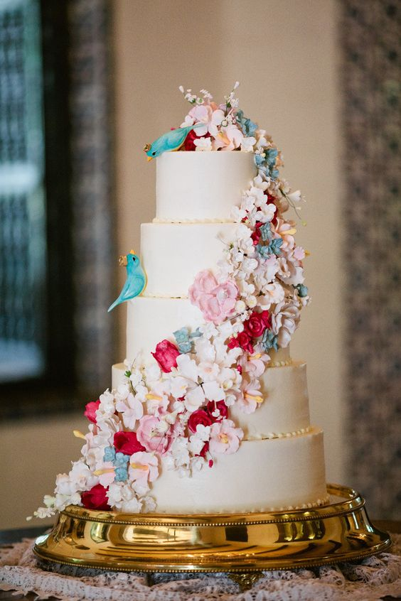 fairytale wedding cakes ideas these disney inspired wedding cakes are jaw dropping 14105