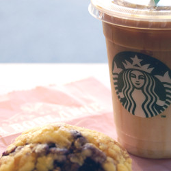 51 Thoughts You Have During Your Daily Starbucks Run