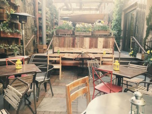 5 of the Best Outdoor Dining Spots in Philly