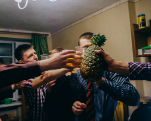 A Step-By-Step Guide to Throwing a Successful Dorm Party