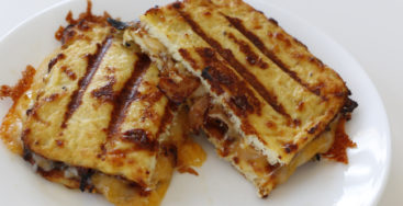 This Cauliflower Grilled Cheese Will Make You Forget About Bread Completely