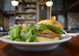 Grass Fed Beef Meets Drunk Eats at Duncan's Burgers