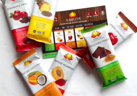 5 Superfood Snack Bars With Ingredients You Can Actually Pronounce