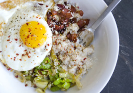 This Bacon, Egg, and Cheese Oatmeal Will Replace Your Weekly Bagel