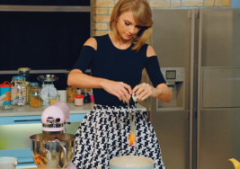 What Your Favorite Thanksgiving Food Says About You, as Told by Taylor Swift Lyrics
