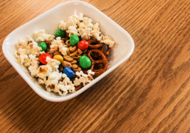 How to Make the Perfect Trail Mix if You're a Broke-Ass College Student