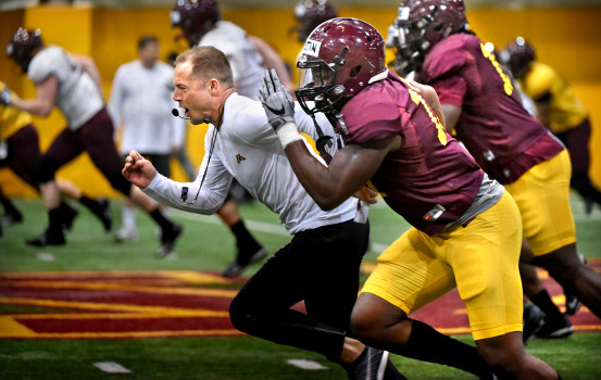 Minnesota Golden Gophers Betting Preview: Fleck Can Row Through This Schedule article feature image