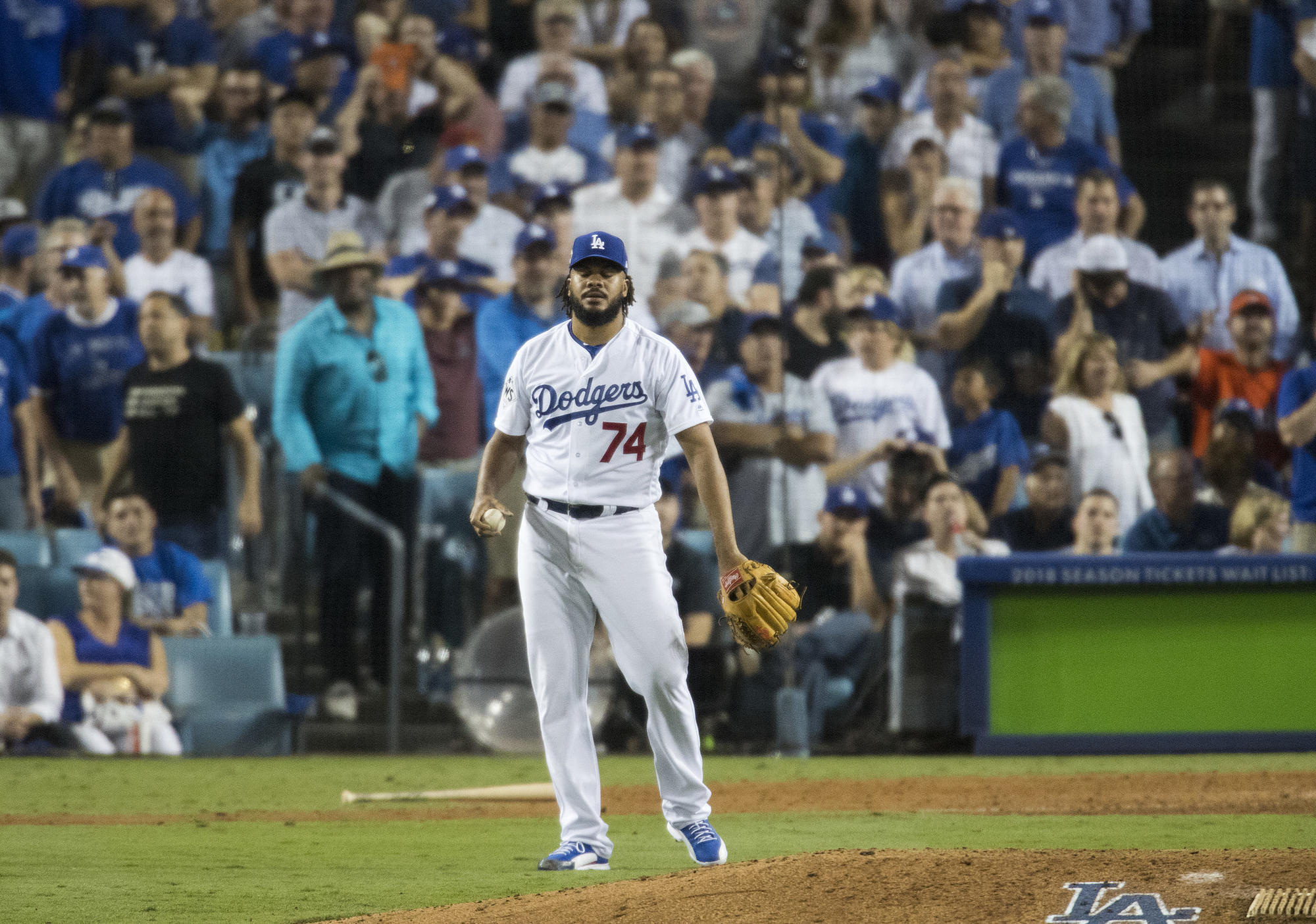 Dodgers/Astros Game 2: Epic recap and series betting outlook article feature image