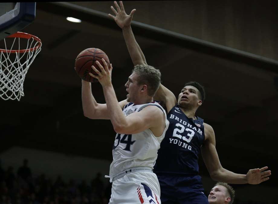 College basketball WCC betting preview: Zags or Gaels? article feature image