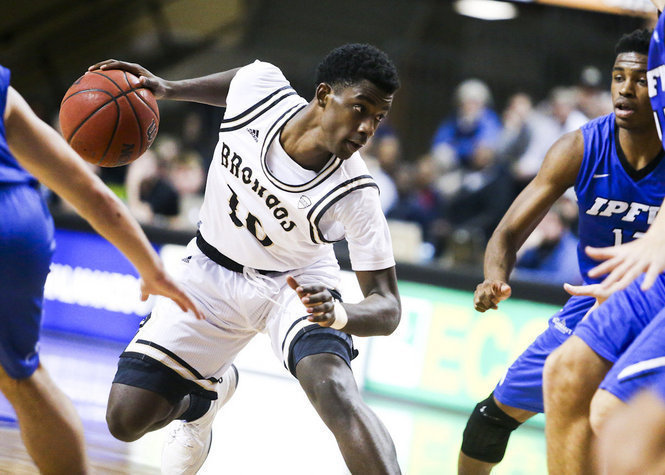 College basketball betting preview: Time for some MACtion article feature image