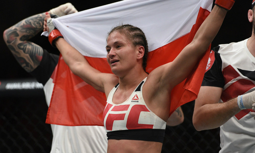 Scorecards at the ready as Kowalkiewicz welcomes Esquibel to the octagon at UFC Fight Night 118 article feature image