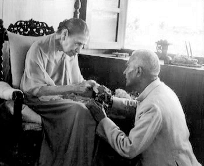 श्री माँ दिल्ली आश्रम के श्री सुरेन्द्रनाथ जौहर के साथ