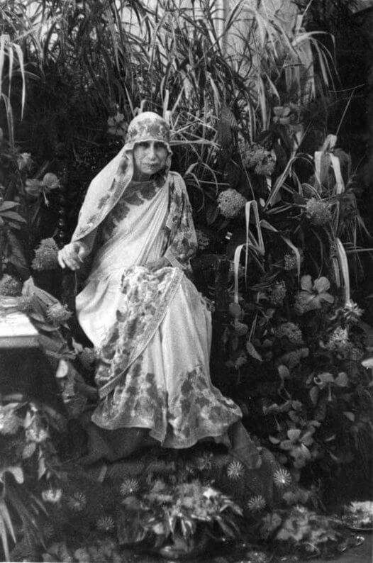 श्रीअरविंद आश्रम की श्री माँ काली पुजा के दौरान