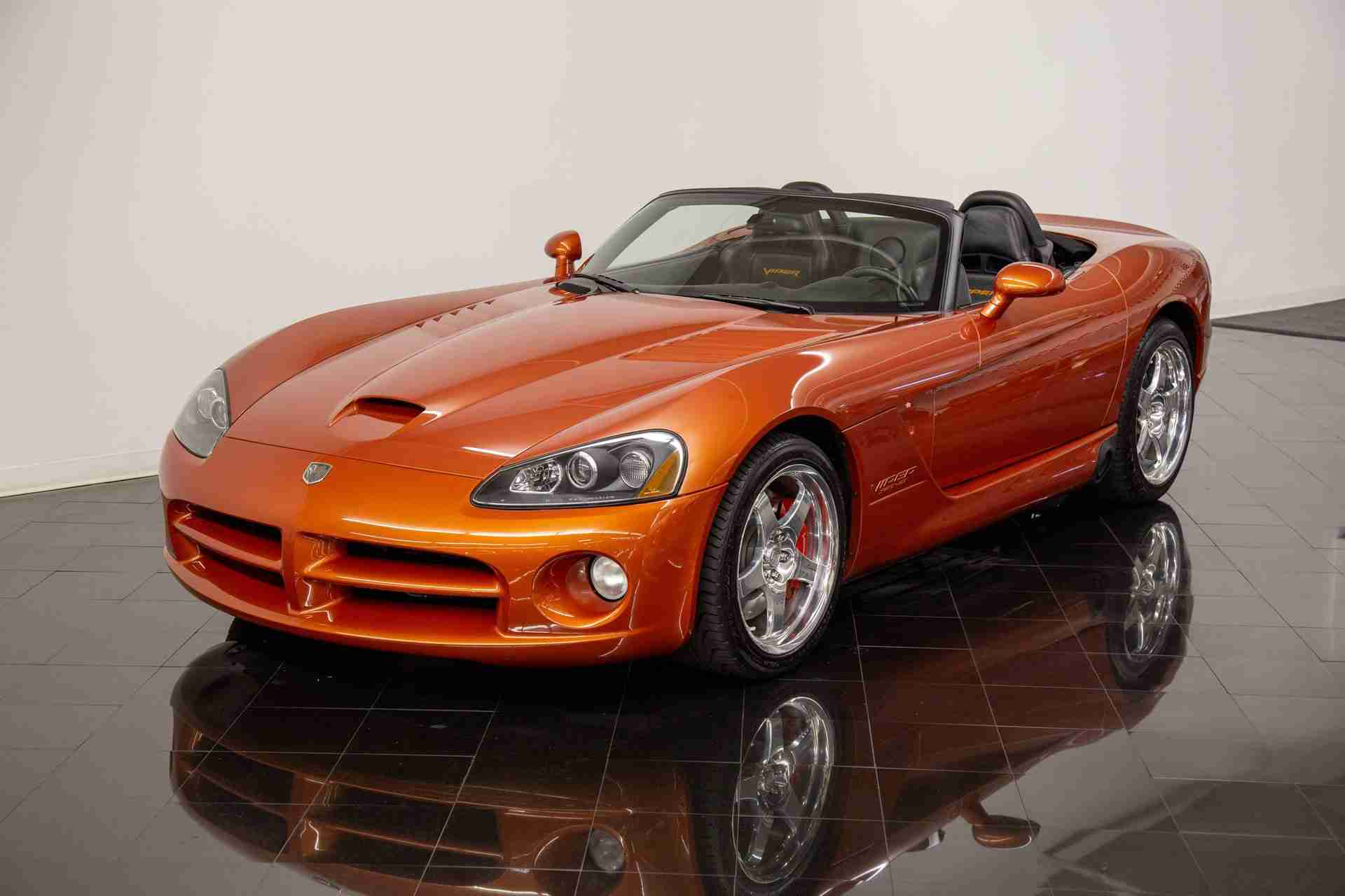 2005 Dodge Viper SRT-10 Copperhead Edition Roadster