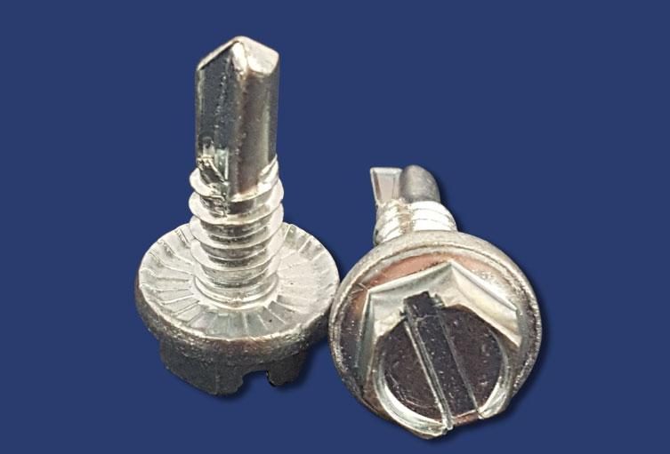 Pull tight screws serrated self drilling