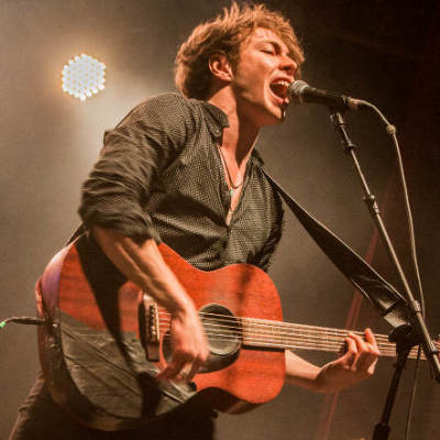 Barns Courtney live