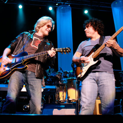 Hall and Oates live