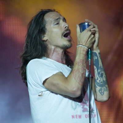 Incubus live