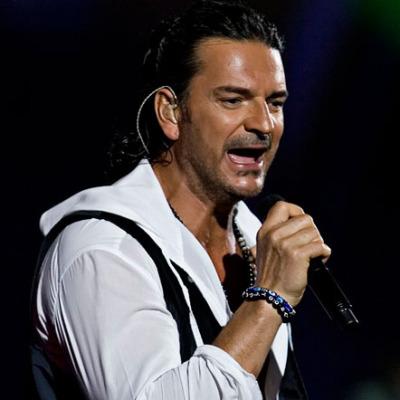 Ricardo Arjona live