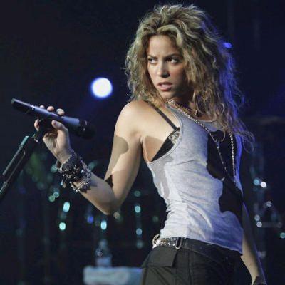Shakira live